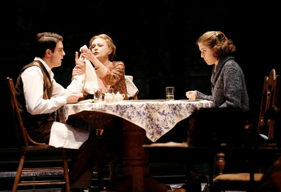 JOHN TUFTS as Younger Tom, JUDITH-MARIE BERGAN as Amanda and MARIANNE MILLER as Laura. (Photo by Jon Gardiner.)