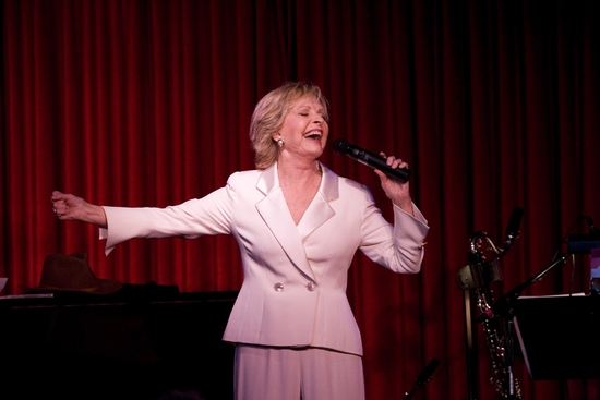 Photo Flash La Premiere Of Florence Henderson S All The