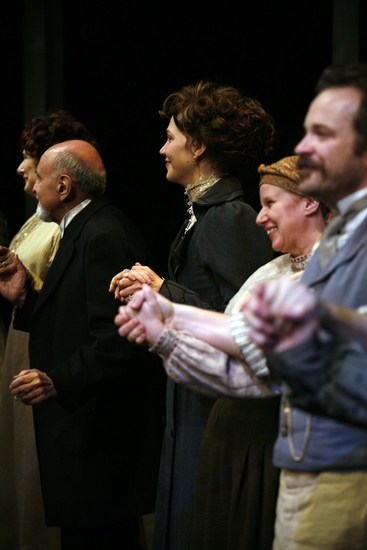 Delphi Harrington, George Morfogen, Maggie Gyllenhaal, Cyrilla Baer and Peter Sarsgaard