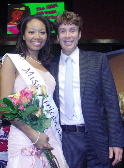 Winner, Aliza Pearl, and host Paul Ryan