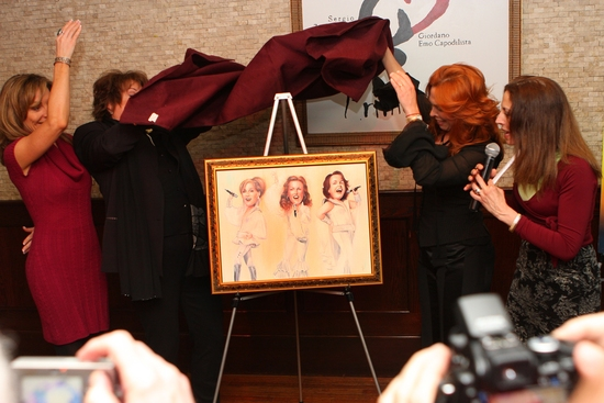 Photo Coverage: MAMMA MIA! 'Wall of Fame' Portrait Unveiled at Tony's DiNapoli