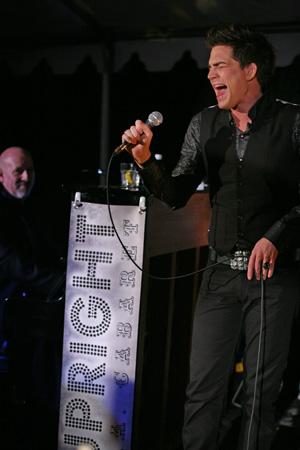 Upright Cabaret Adam-Lambert-Gerald-Sternbach