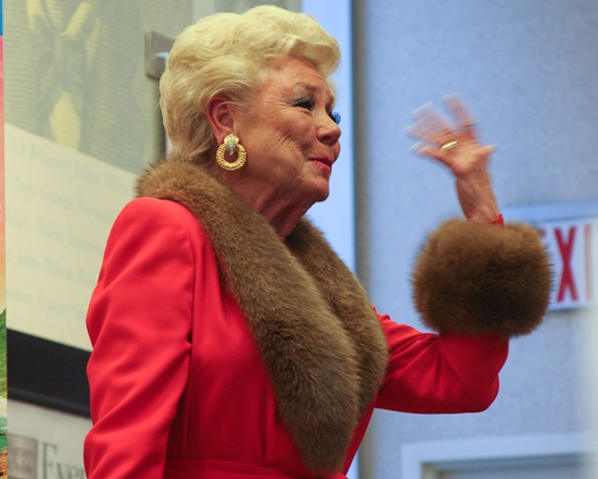 Photo Coverage: Mitzi Gaynor Celebrates SOUTH PACIFIC at Barnes & Noble