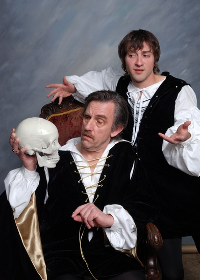 Photo Flash: Vagabond Theatre Presents I Hate Hamlet 4/17