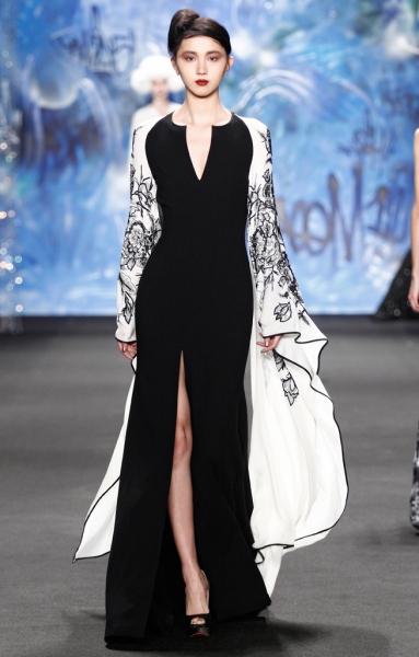 Photo Flash: Sneak Peek at Naeem Khan's Designs, on Display at The Globe Guilders' 2015 Fashion Show