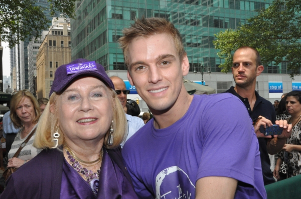Pat Addiss and Aaron Carter at FANTASTICKS, VOCA PEOPLE, and More Play Broadway In Bryant Park!