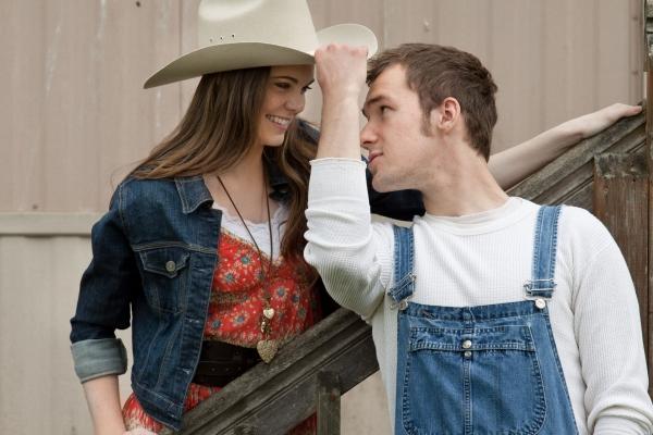Amy M. Tyler as Rusty & Casey Pitel as Willard Hewitt