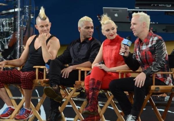 Photo Flash: Gwen Stefani Performs on GMA