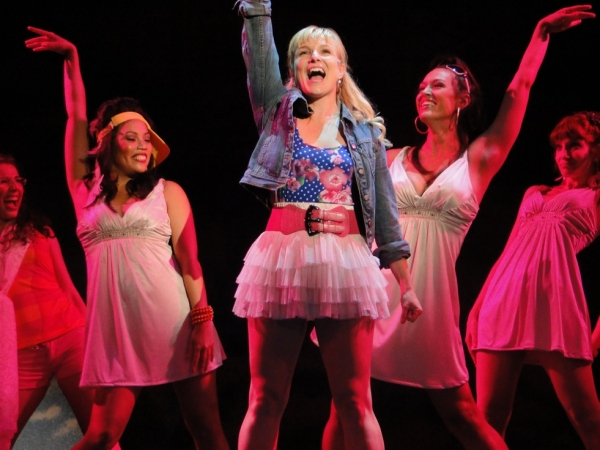 Photo Flash: Kelly Felthouse and More in Cape Playhouse's LEGALLY BLONDE