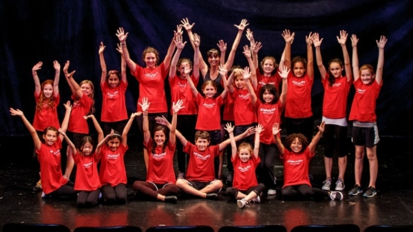 Students and Artistic Director Jessica Rofe making their Off-Broadway Debut at Theatr Photo