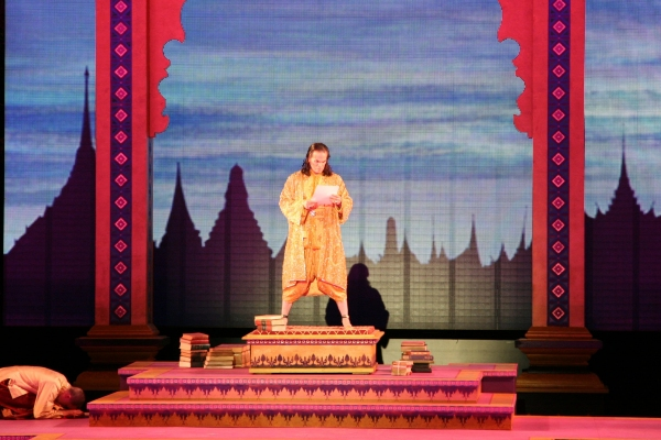 Photo Flash: First Look at Laura Michelle Kelly, Kevin Gray in the Muny's THE KING AND I