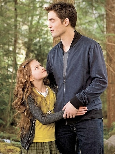 Robert Pattinson, Mackenzie Foy at New Images From TWILIGHT SAGA: BREAKING DAWN - Part 2