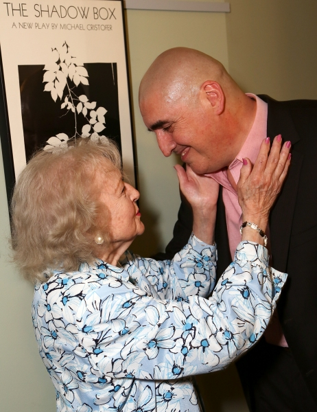 Betty White, Alfred Molina