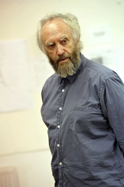 Photo Flash: Jonathan Pryce and More Rehearse for Michael Attenborough's KING LEAR at the Almeida!