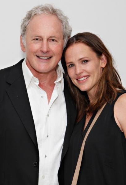 Victor Garber and Jennifer Garner