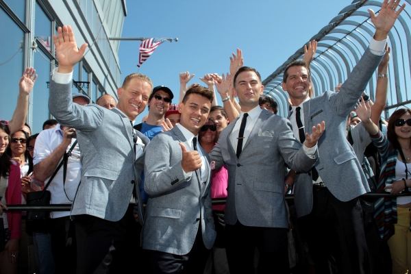 Photo Coverage: Midtown Men Meet the Press at Empire State Building