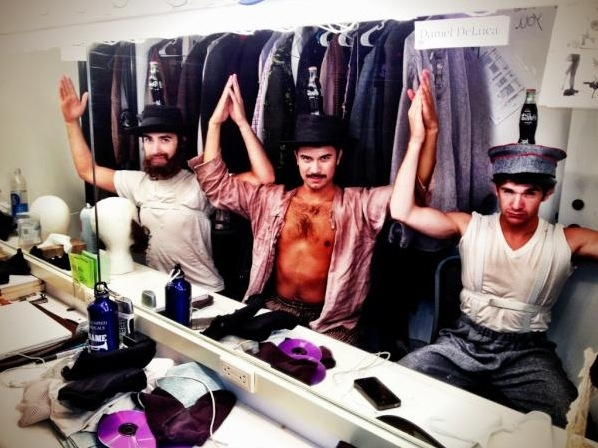 """FIDDLER ON THE ROOF's Gregory Dassonville and Company (Tour) """"@dassaburg #SIP #INTERMISSIONBALANCING http://pic.twitter.com/6o4pqcjI"""