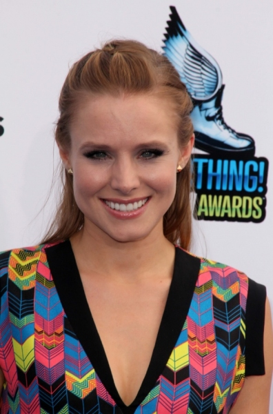 Kristen Bell at Lea Michele, Kristen Bell at 2012 'Do Something' Awards