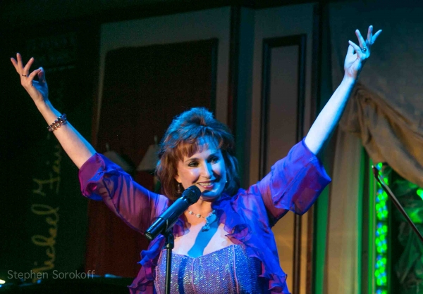 Photo Coverage: Raissa Katona Bennett Brings ANOTHER KIND OF LIGHT to Feinstein's