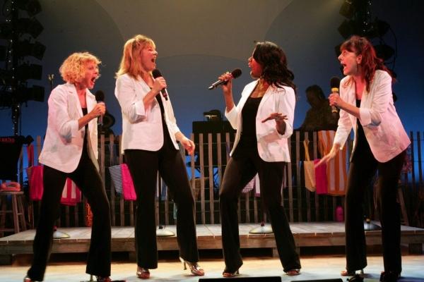 Karyn Quackenbush, Lori Hammel, Regina LeVert, Meghan Duffy  Photo