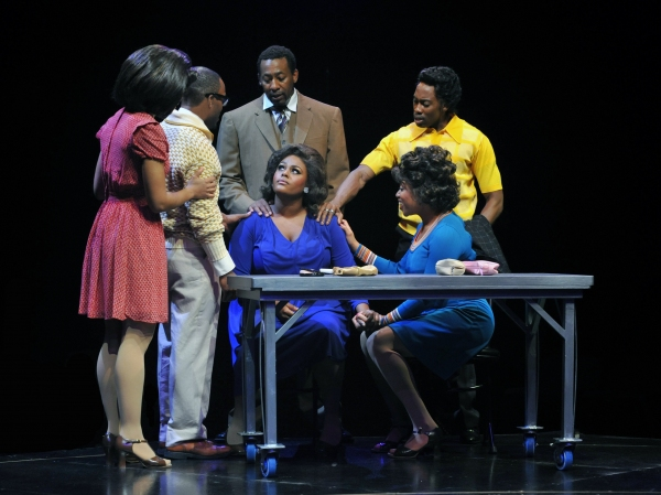 Photo Flash: Raena White and More in The Marriott Theatre's DREAMGIRLS