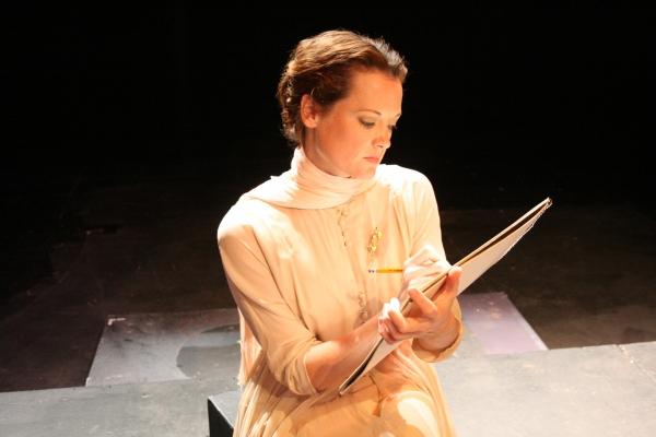 Kristie Ohlinger as Hannah Jelkes Photo