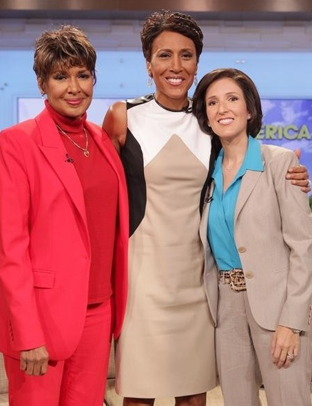 Photo Flash: Robin Roberts Makes Final GMA Appearance