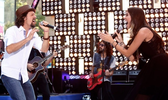 Jason Mraz and Christina Perri at Jason Mraz, Christina Perri Perform on TODAY