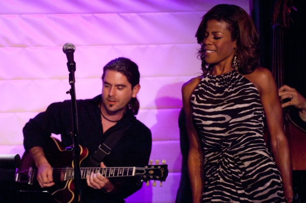 Photo Flash: Jazz Vocalist Nicole Henry Performs at The RRazz Room in San Francisco