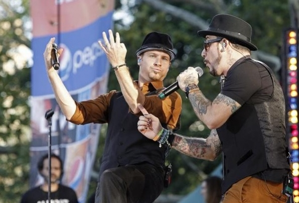 Photo Flash: The Backstreet Boys Reunite on GMA