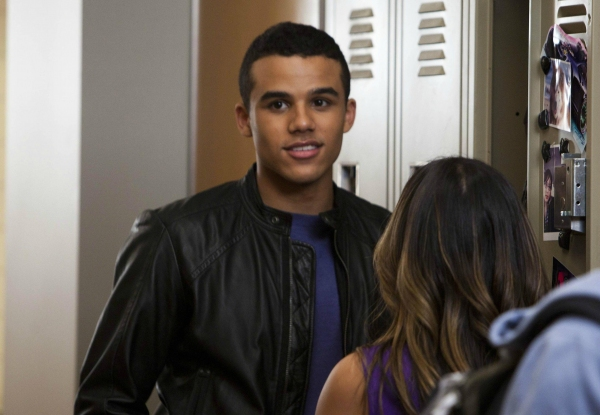 Jacob Artist at First Look at GLEE's  'Britney 2.0' Episode!