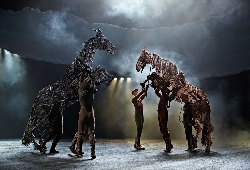Photo Flash: First Look at New Cast in West End's WAR HORSE at the New London Theatre
