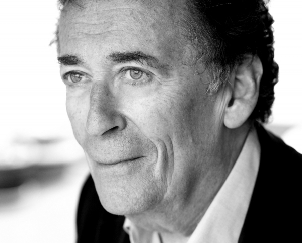 Photo Flash: Sneak Peek at Robert Powell in West End's SINGIN' IN THE RAIN