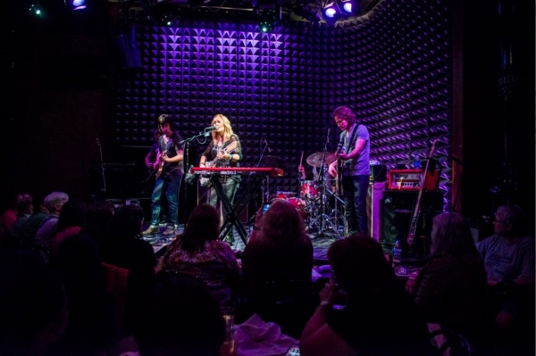 Photo Flash: Melissa Etheridge Hosts Private CD Release Party at Joe's Pub