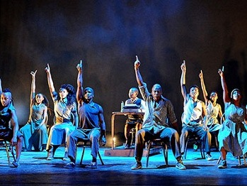 The company of BIKO'S QUEST Photo credit Jazzart