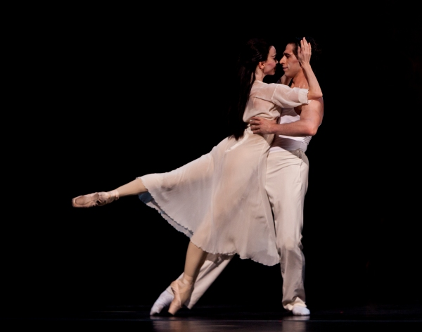 Ballet: MADAME BUTTERFLY. Choreographer: Stanton Welch. Dancers: Amy Fote and James  Photo