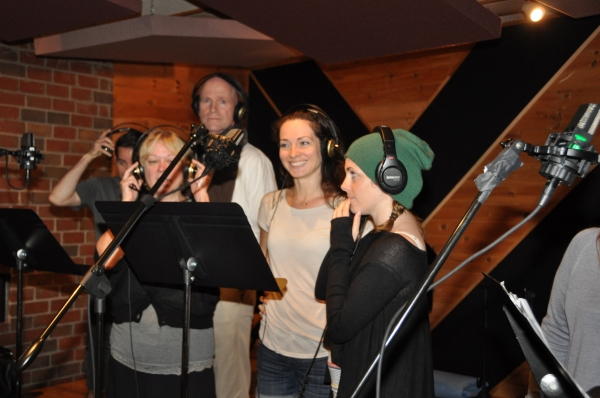 Kathe Mull, Michael DeVries, Amanda Rose and Kate Fahrner at BWW Photo Exclusive: WICKED Cast Records for 'Carols For A Cure'