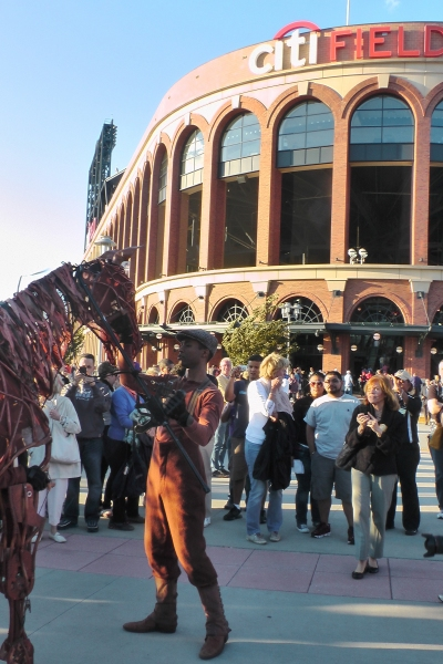 Photo Flash: WAR HORSE Cast Makes Appearance at Citi Field!