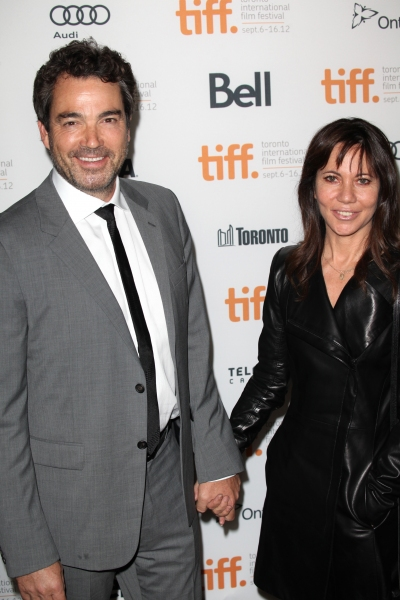 Jon Tenney & wife