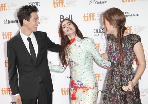 Nat Wolff, Lily Collins & Liana Liberato