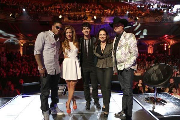 Nelly, Allison Hagendorf, Joe Jonas, and Gloria Estefan, and John Rich