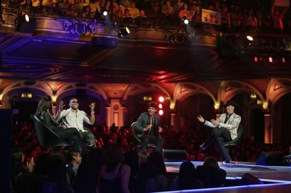 Pictured (L-R): Gloria Estefan, Nelly, Joe Jonas, and John Rich