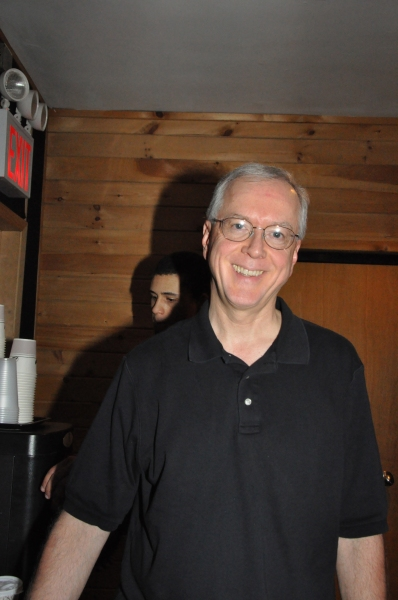 Exclusive Photos: MAMMA MIA! Cast Sings for 'Carols For A Cure'