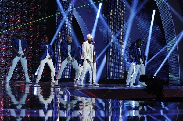 Photo Flash: Justin Bieber, Ne-Yo Perform on AMERICA'S GOT TALENT