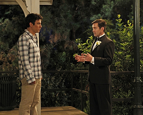 """Farhampton"" -- Robin's anxiety on her wedding day to Barney prompts Ted (Josh Radnor, left) to recount the time he insisted on leaving Victoria's jilted fiance (Thomas Lennon, right) a note before they drove off into the sunset together"