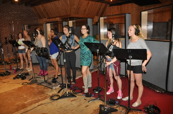 Exclusive Photos: Taylor Louderman, Ryann Redmond, and BRING IT ON Cast Sings 'Carols For A Cure'