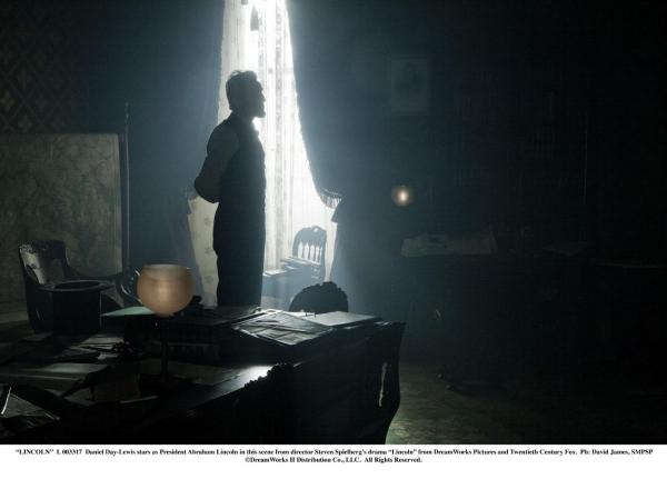 Photo Flash: New LINCOLN Film Stills - Daniel Day-Lewis, Sally Field, Joseph Gordon-Levitt and More!