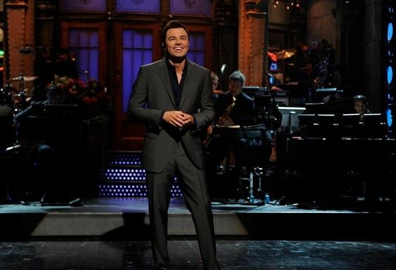 Seth MacFarlane at Seth MacFarlane Hosts SNL Season Premiere