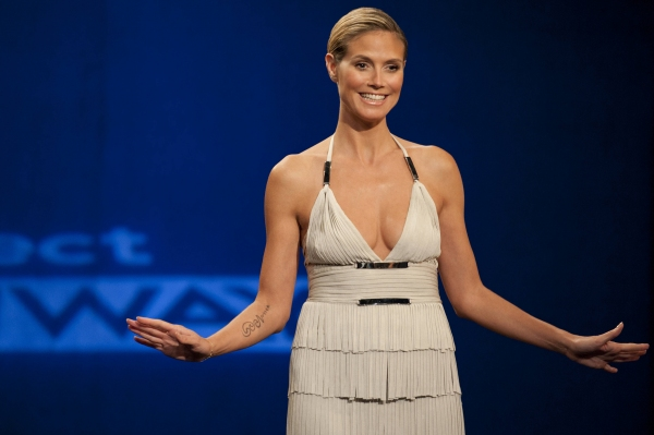 Photo Coverage: Sneak Peek - PROJECT RUNWAY Tonight, September 20 - Debra Messing, The Rockettes & More!