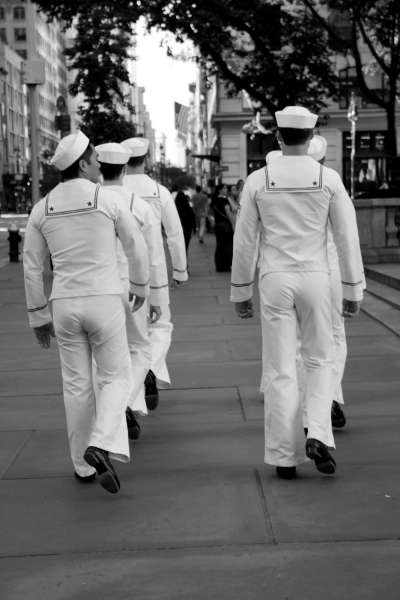 Photo Exclusive: Out on the Town with the Cast of the ANYTHING GOES Tour- Meet the Company!